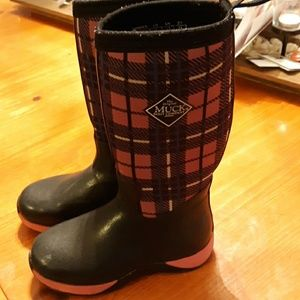 Girls Muck Boots size 1 youth